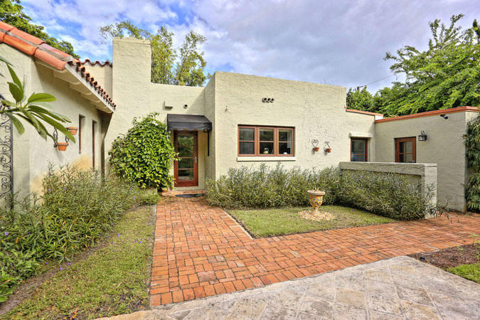 Coral Gables Home For Sale At 1420 Venetia Avenue