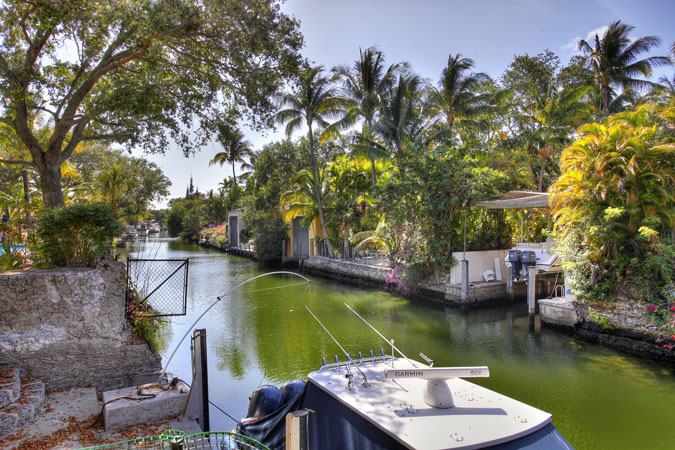 Coral Gables Home For Sale At 815 S Alhambra Circle