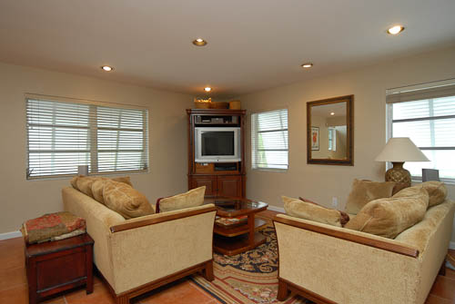 1131 Mariposa Avenue, Living Room
