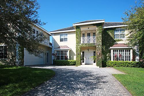 9950 SW 57 Place, Pinecrest, FL