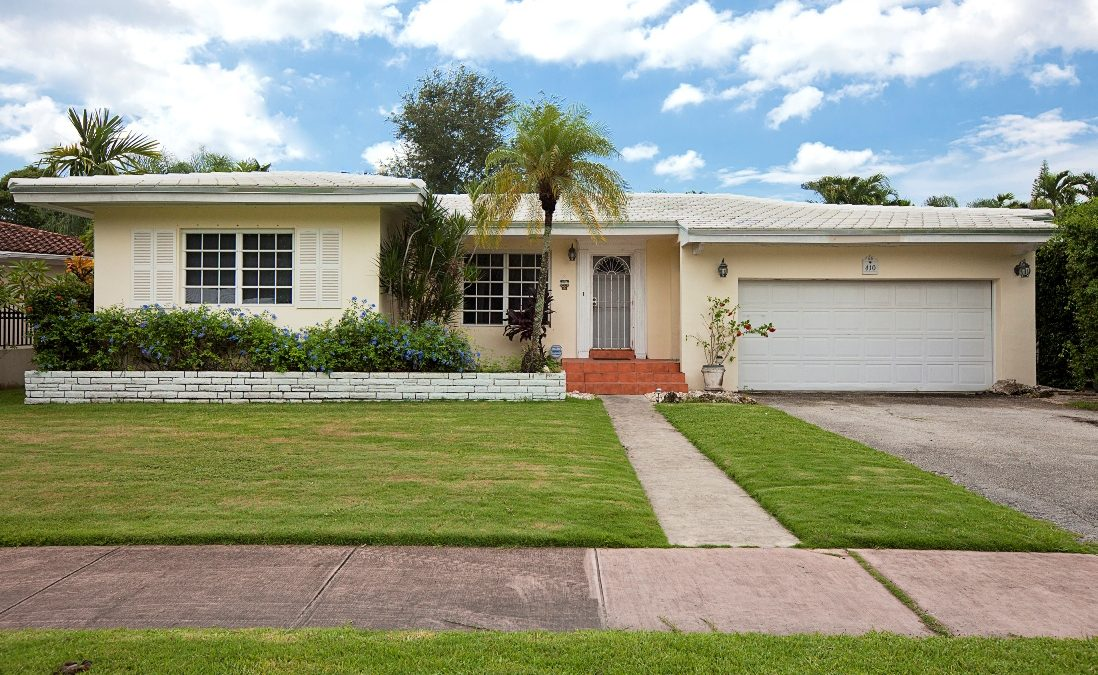 410-Luenga-front-ext-lower-res-1