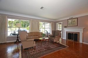 4111 University Drive Living Room