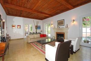3901 Branganza Avenue Living Room