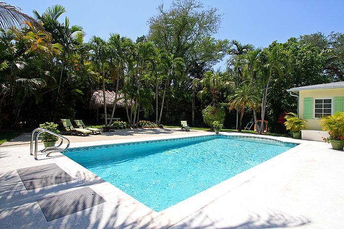Pool, Patio, Beach & Gazebo