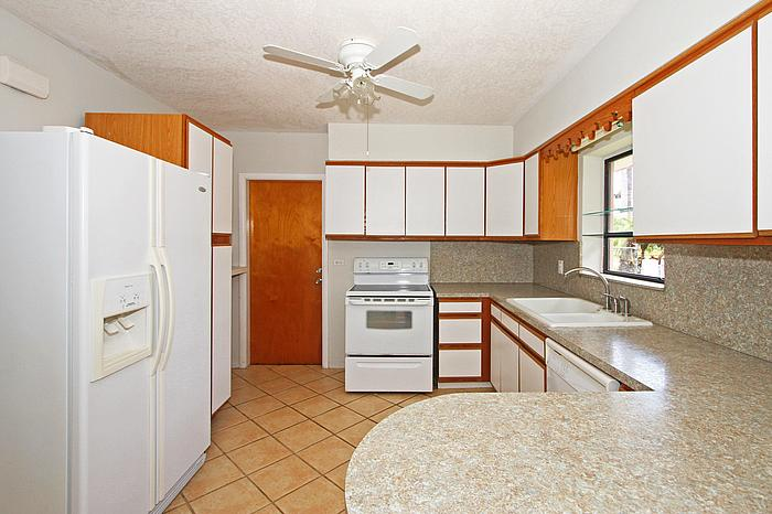 3251 SW 60 Court Kitchen