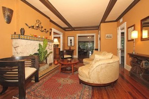 2411 SW 62 Ave - living room