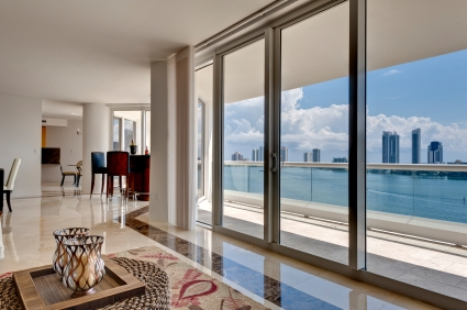 Miami-Beach-living-room-1