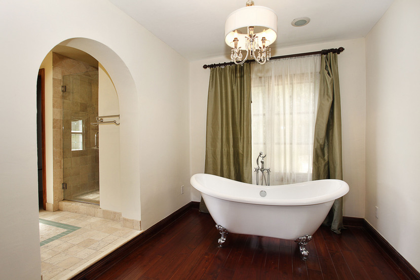 1524 Garcia Avenue Old Spanish Coral Gables master bathroom