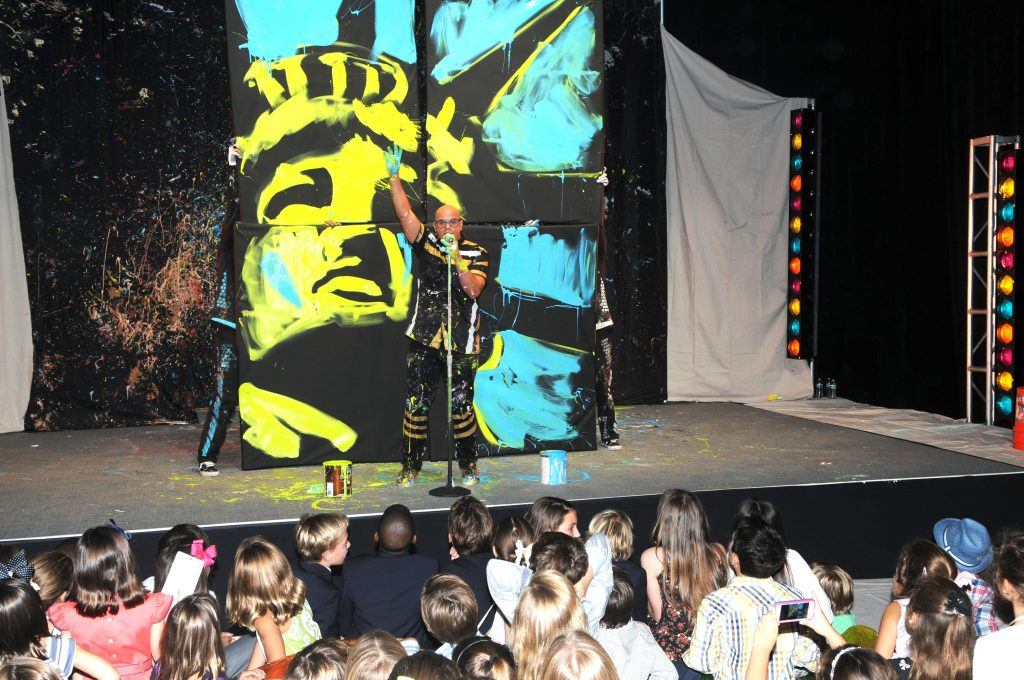 David Garibaldi paints, dances, and wows the crowd at the Arsht Families Imagination Ball - photo by manny hernandez