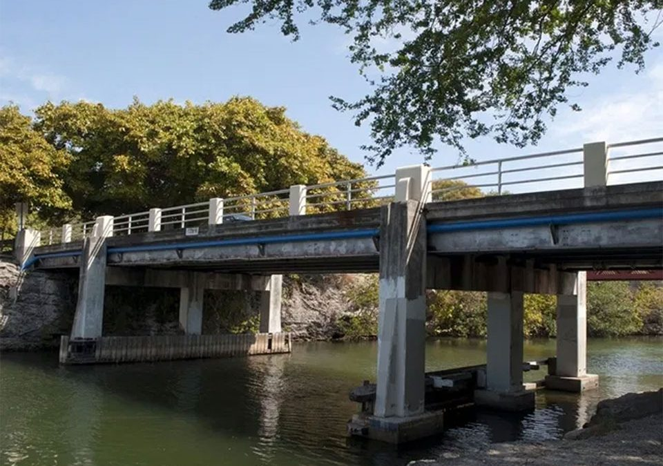 Cocoplum Circle Bridge